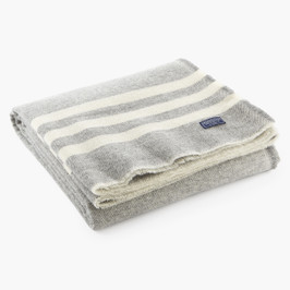 Trapper Gray/Natural Throw