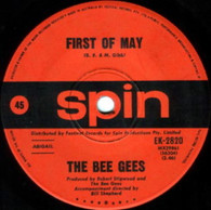 BEE GEES  -   First of May/ Lamplight (G5527/7s)