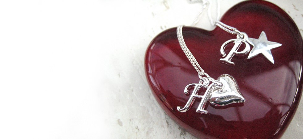 engraved womens jewellery UK