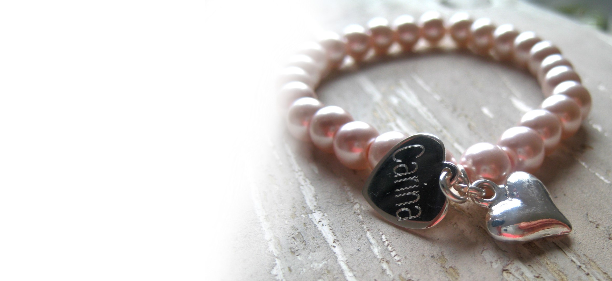 Personalised jewellery gifts for women