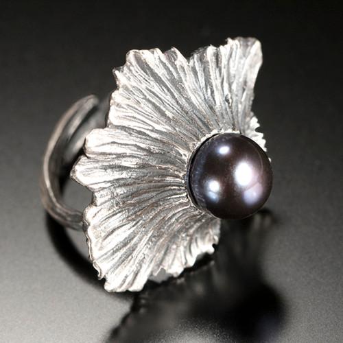 De'Solanum Ring, Art Jewelry by Aleksandra Vali