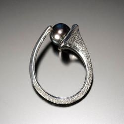 Flirt Ring, Modern Jewelry by Aleksandra  Vali
