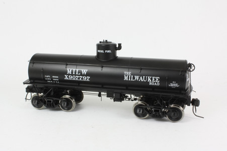 O Scale Milwaukee Tank Car #907797