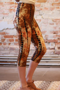 Eye of the Tiger Tie Dye Butter Soft Cropped Leggings side view.