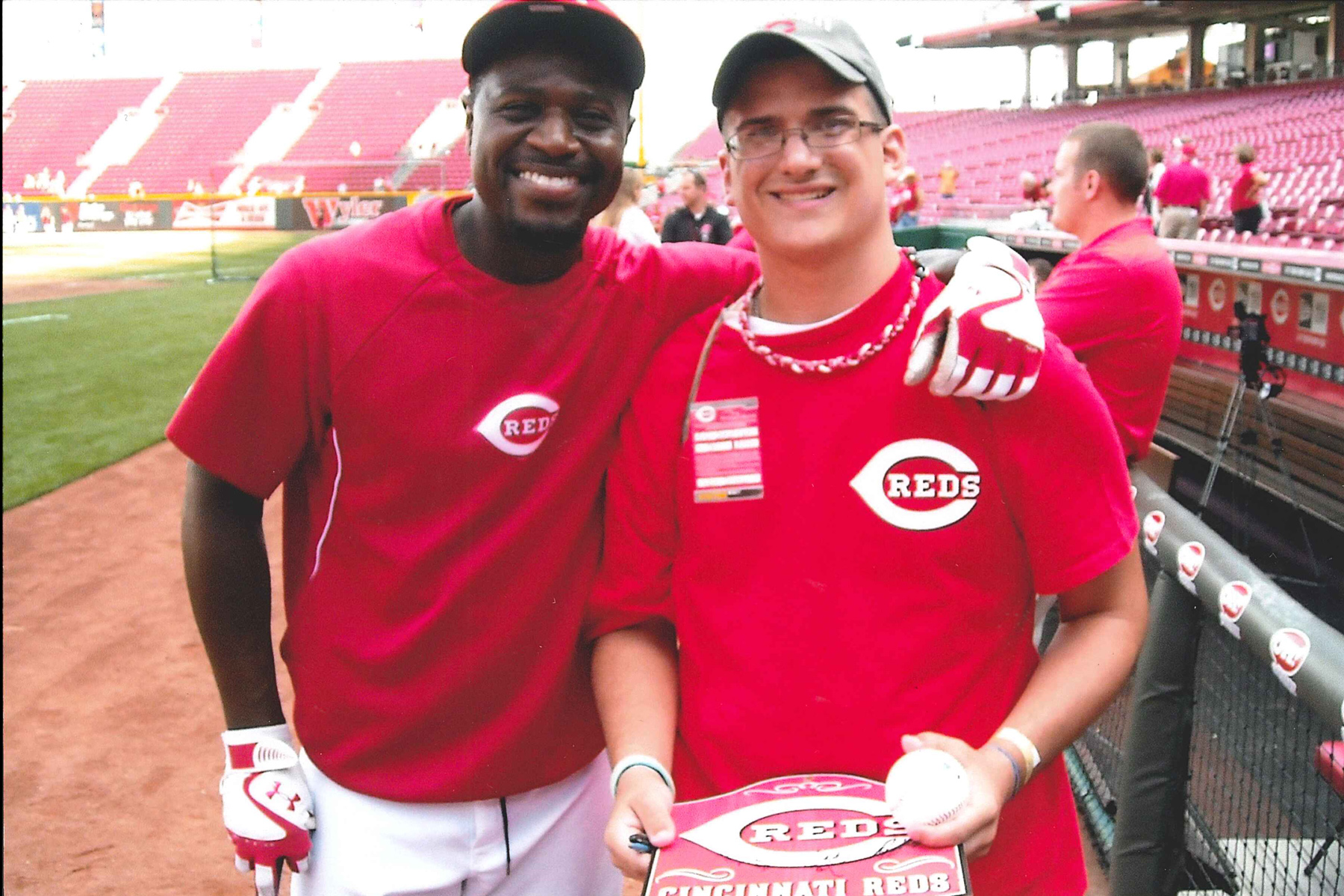 brandon-phillips-cincy-reds-1-20130702-1969103880.jpg