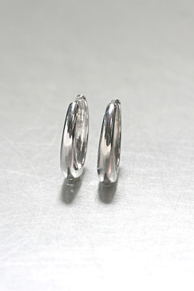 sterling Silver Hinge Oval Hoop Earrings 25mm from kellinsilver.com