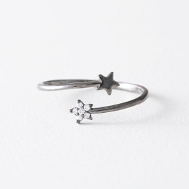Cute Black Star Wrap Ring from kellinsilver.com