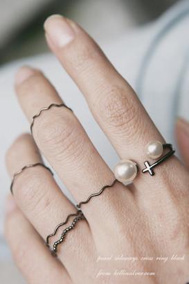 Pearl Black Sideways Cross Ring