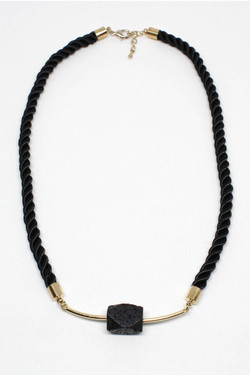 Layna necklace