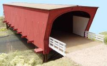 HO-SCALE COVERED BRIDGE