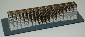 Z-SCALE DOUBLE-MAIN TRESTLE