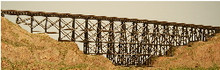 Z-SCALE WOOD TRESTLE