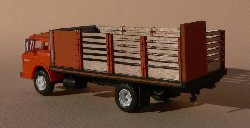 HO-SCALE TRUCK BED (CATTLE)