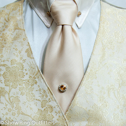 how to put on a tie tack