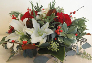 Christmas Table Gardens - Flowers Delivered Highland Park IL - Jan Channon Flowers