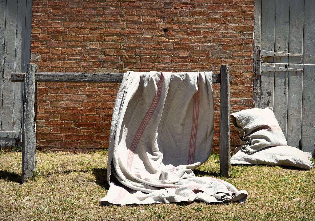 Vintage Grainsack Heavy Linen Coverlet⎮Bed cover, Red stripe