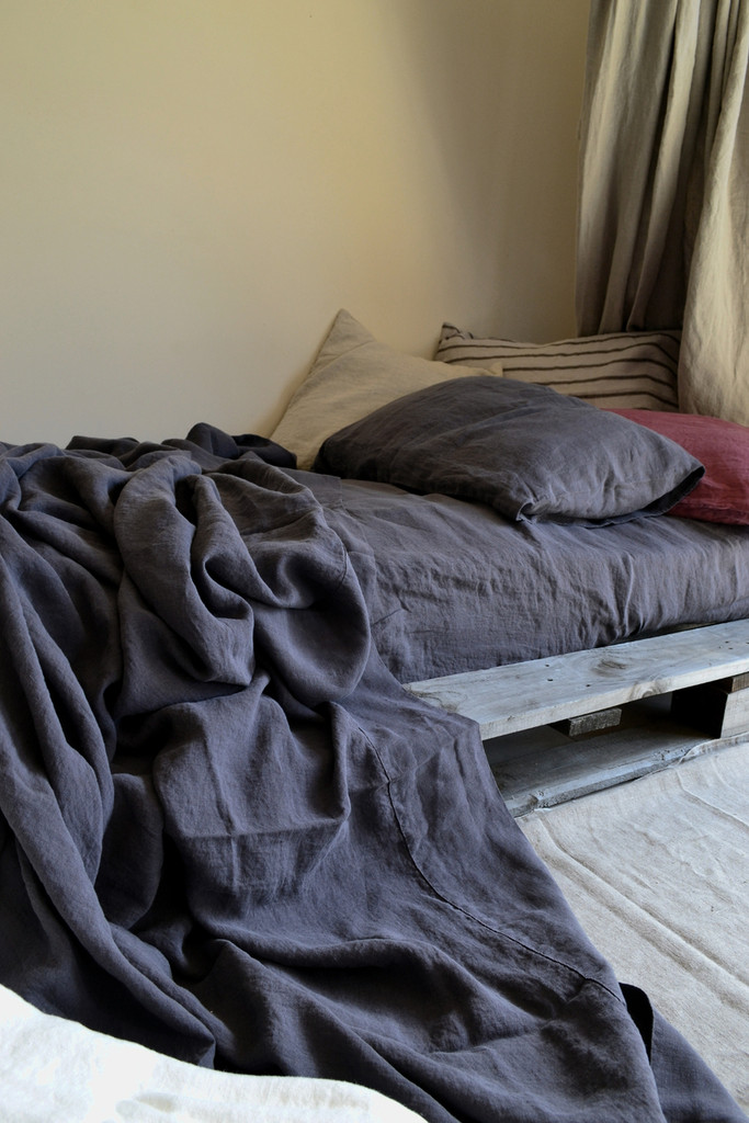 Charcoal Stonewashed Linen Flat Top Sheet