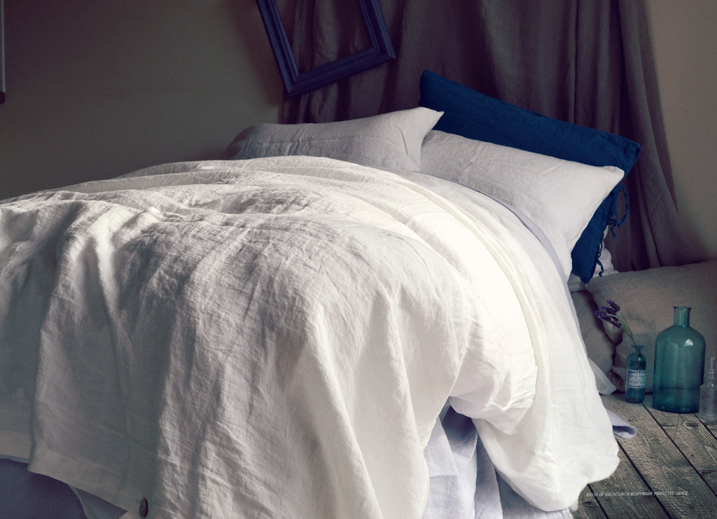 Pure Elegance, Bright white stonewashed linen duvet/quilt cover