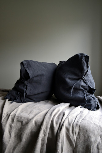 Peppercorn Dark Grey Heavy linen pillow case