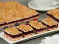 Opera Dessert Bar-4-Berries Crumble