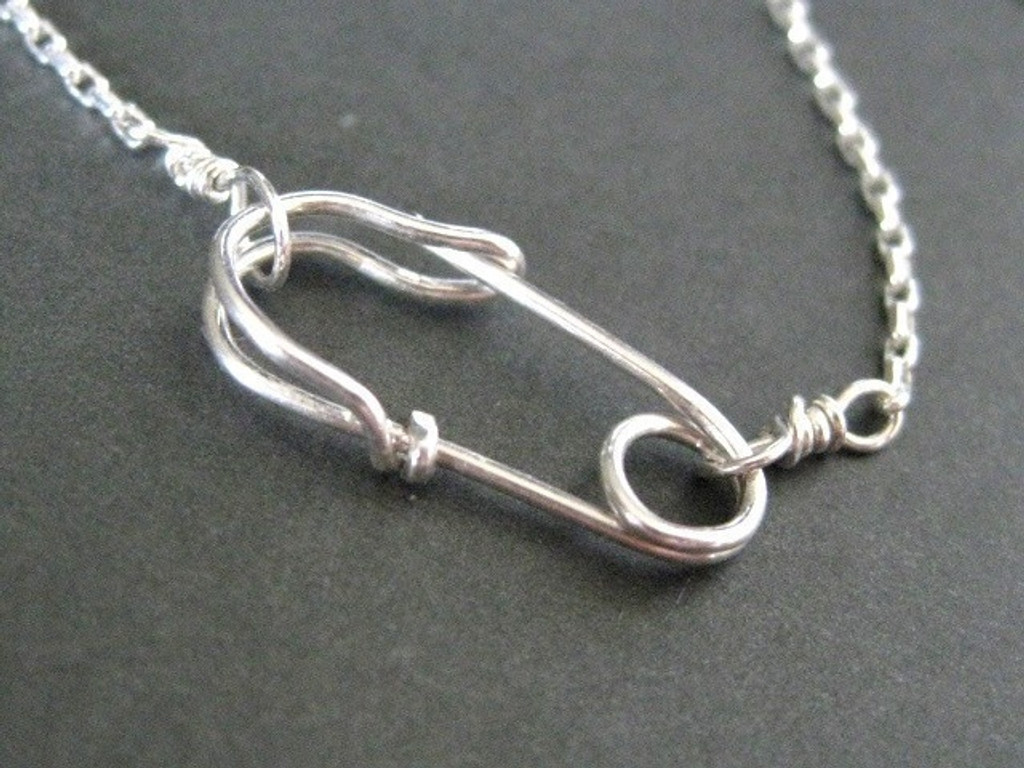 safety pin front clasp necklace - muyinjewelry.com