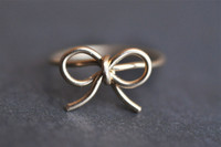 BOW RING with round wire gold