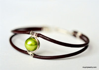 modern freshwater pearl and leather bracelet -- muyinjewelry.com