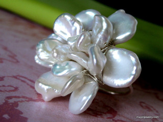GARDENIA BLOSSOM large cocktail freshwater pearl wire wrap ring
