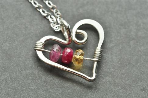 mothers grandmothers birthstone heart necklace genuine gemstones three 3 stone - muyinjewelry.com