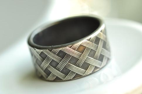 basket weave patter ring oxidized sterling silver | mu-yin jewelry