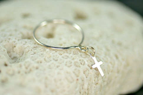 sterling silver dangle ring with cross charm   muyinjewelry.com