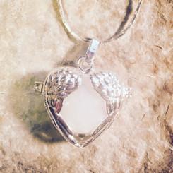 angel wing locket