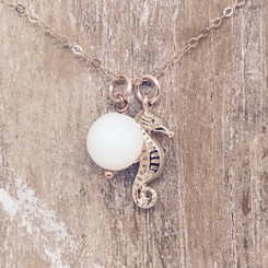 rose gold seahorse pearl necklace