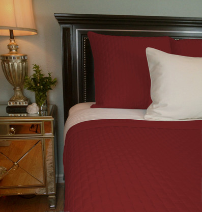 Cayenne Red Bamboo Quilted Coverlet   Queen Or King   Hypoallergenic