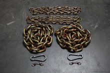"5/8"" chain x2, 1/4"" leader chain x2, 2 carabiner clips, 2 snapclips."
