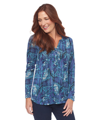 Y-Neck Shirttail Top