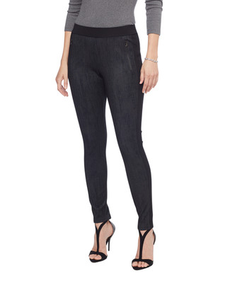 Woman's black zip pocket pull on pant