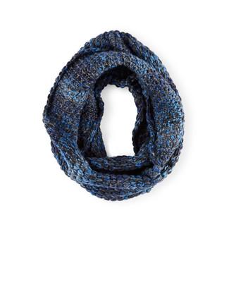 Woman's navy chunky knit infinity scarf