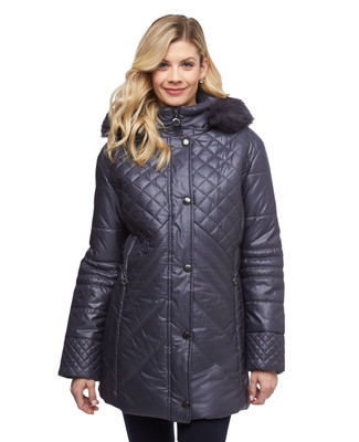 Women's petite quilted coat with faux fur trimmed detachable hood