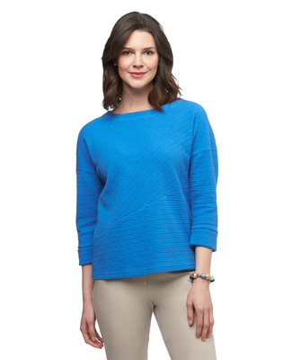 Women's three quarter sleeve crinkle textured pullover