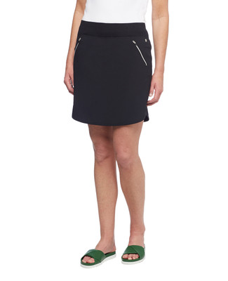 Women's black light weight travel skort with zippered pockets