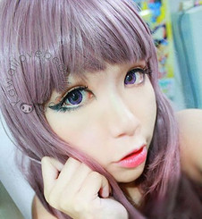 Geo Xtra 3-Tone violet circle lenses on model.
