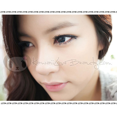 Dueba Barbie Diamond blue circle lenses.