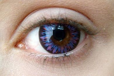 Beautiful Barbie Luna violet circle lenses for bigger eyes.