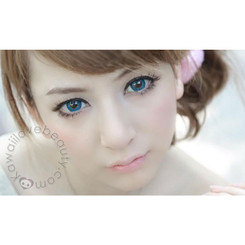 Dolly-eyed but natural effect with Barbie tri-color blue Puffy circle lenses.