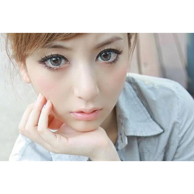 Barbie Puffy 3 Tones Grey colored soft contact lenses by Dueba.