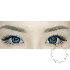 Geolica Holicat Funky Cat Blue circle lenses on dark eyes.