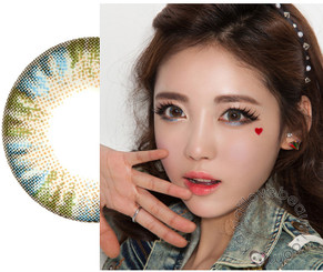Natural, dolly eyes with Charm 4 Tones Blue circle lenses