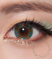 Closeup on Charm 4 Tone Green circle lenses by Beuberry