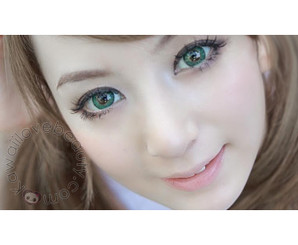 Beautiful, bigger eyes with natural 3 tone blend Barbie Puffy Green circle lenses from Kawaiilovebeauty.com